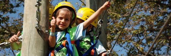 Acampamento de férias ajuda crianças e jovens a se tornarem adultos mais felizes e bem-sucedidos